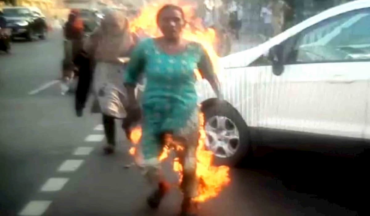 Amethi Women Sets Herself on Fire Alleging Police Inaction