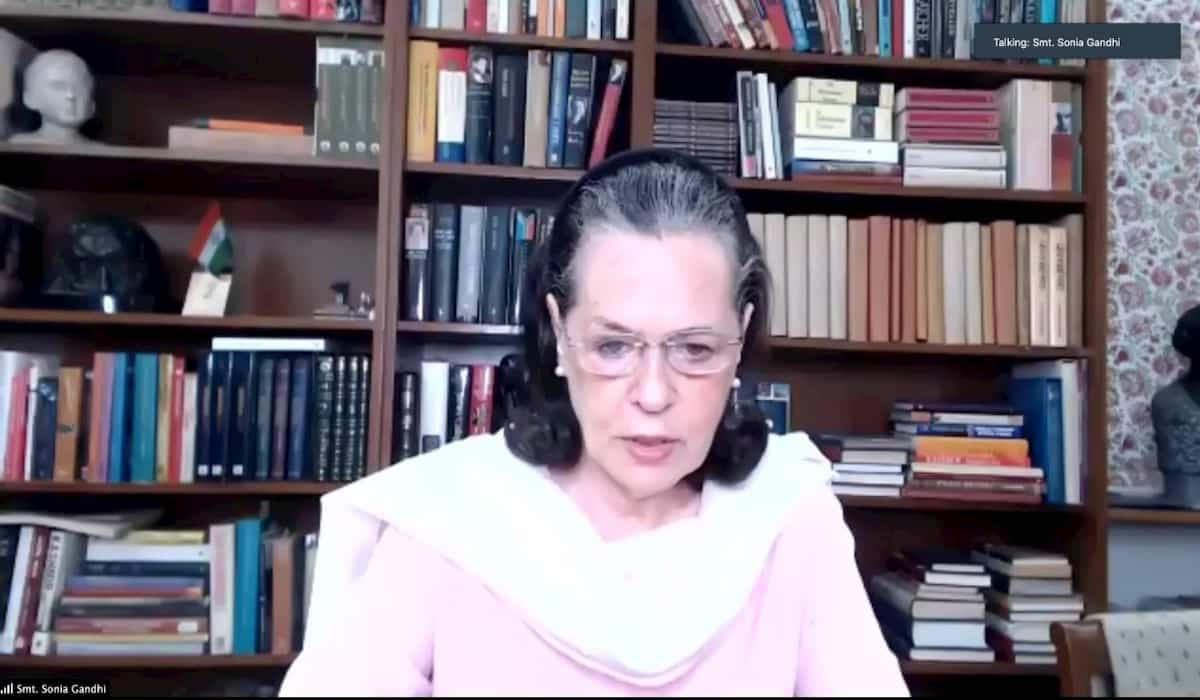 Sonia gandhi Virtual Meeting with opposition CMs on JEE and NEET