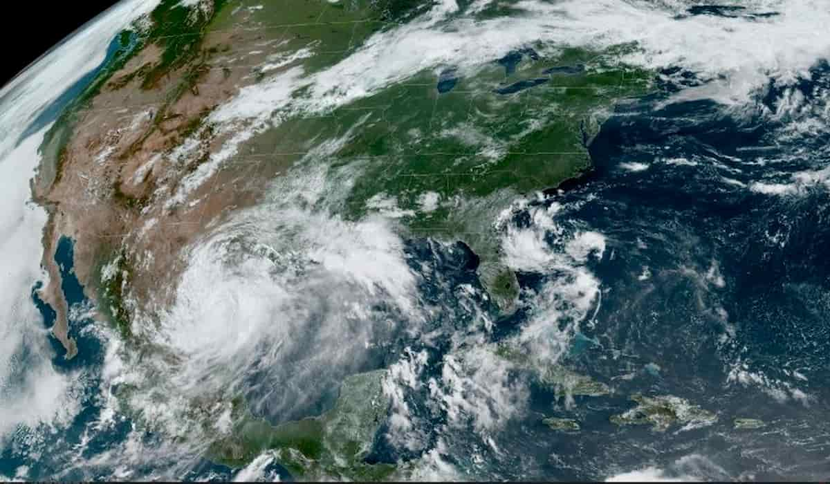 Hurricane Hanna Strikes America With a Wind Speed of 153kmph