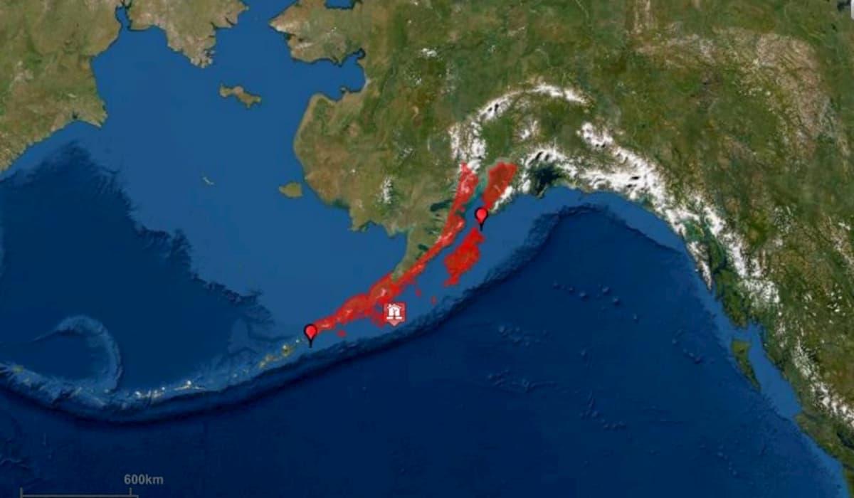 Tsunami. Warning after 7.8 Magnitue Earthquake Hits Alaska