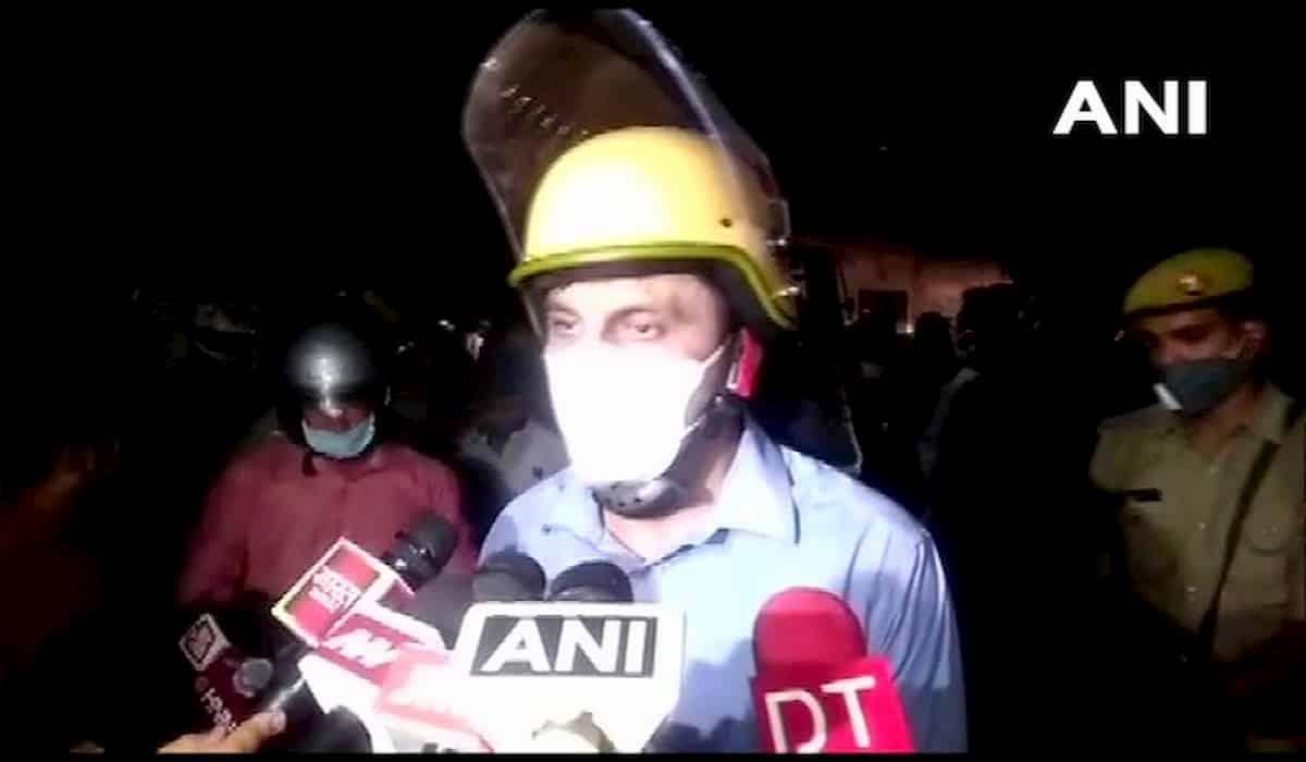 Kanpur Policeline Barrack Collapse : 1 Dies, 2 injured