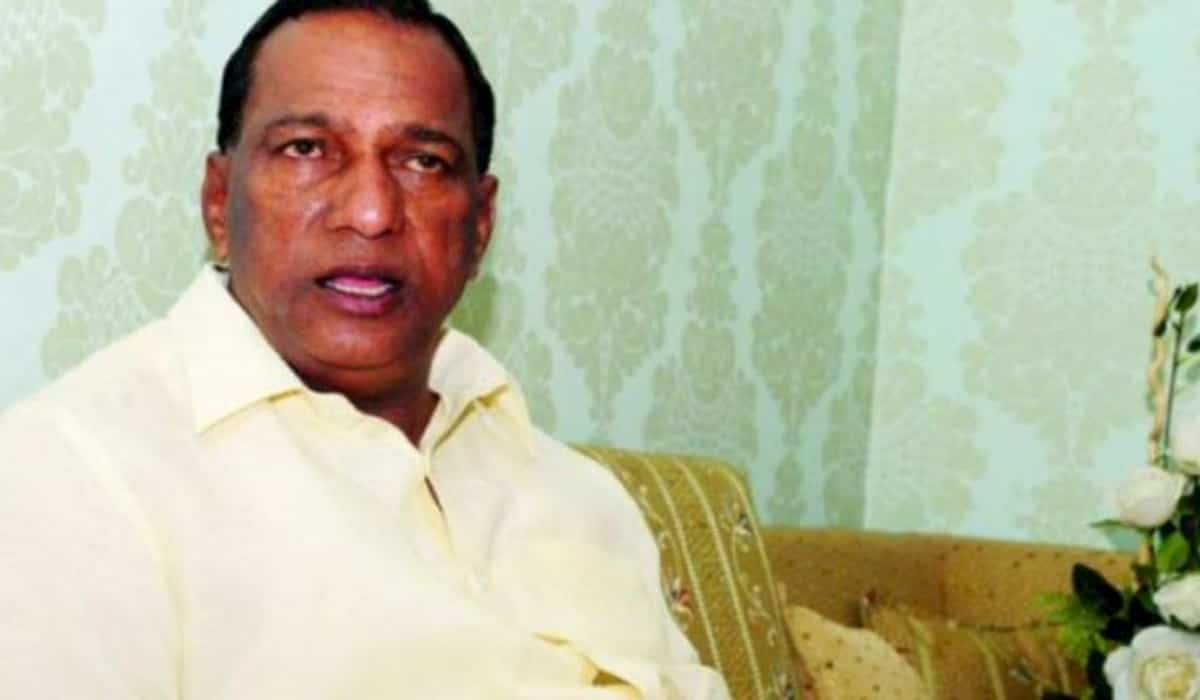 Malla Reddy Colleges not pay salary to teachers