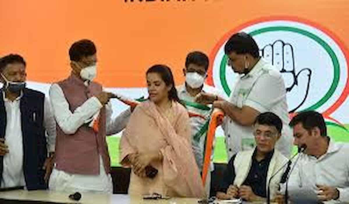 Kali Pandey, Subhashini Yadav joins Congress