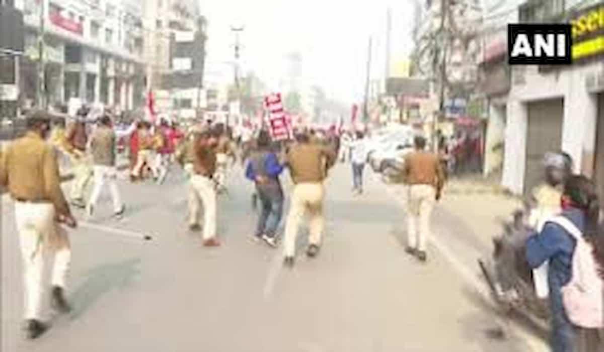 Patna Lathicharge