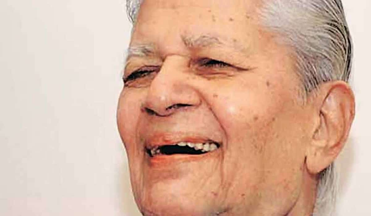 Veteran Congress Leader Madhav Singh Solanki Passes Away