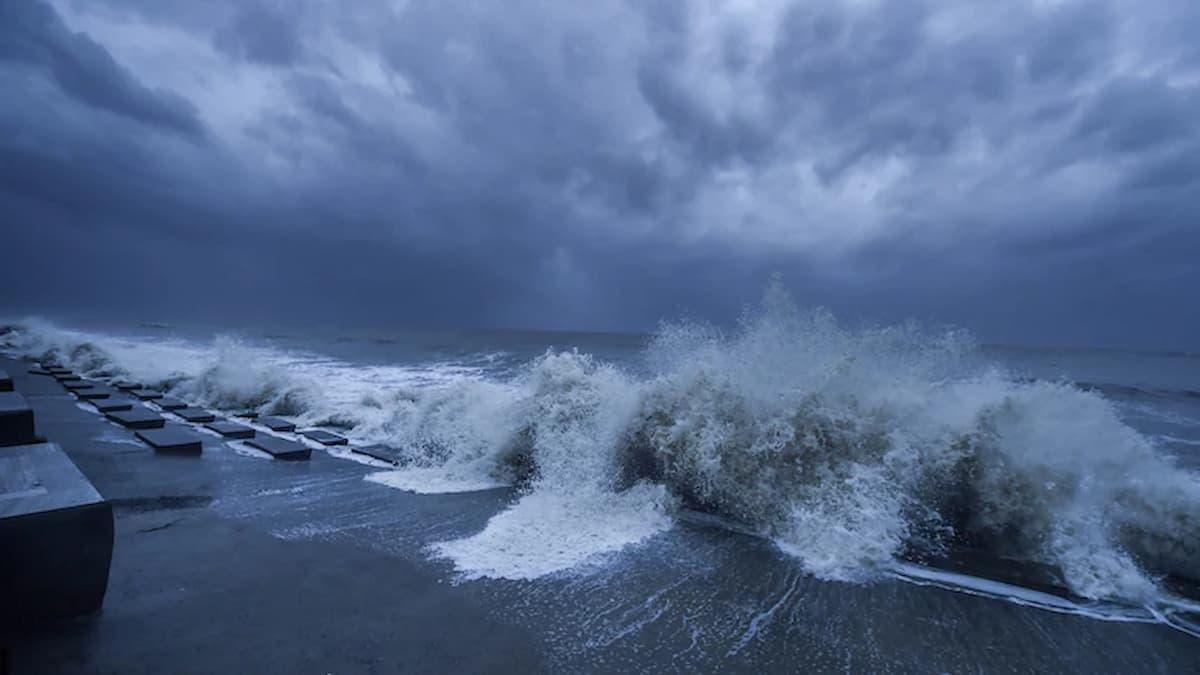 Cyclone Yaas : Landfall Begins